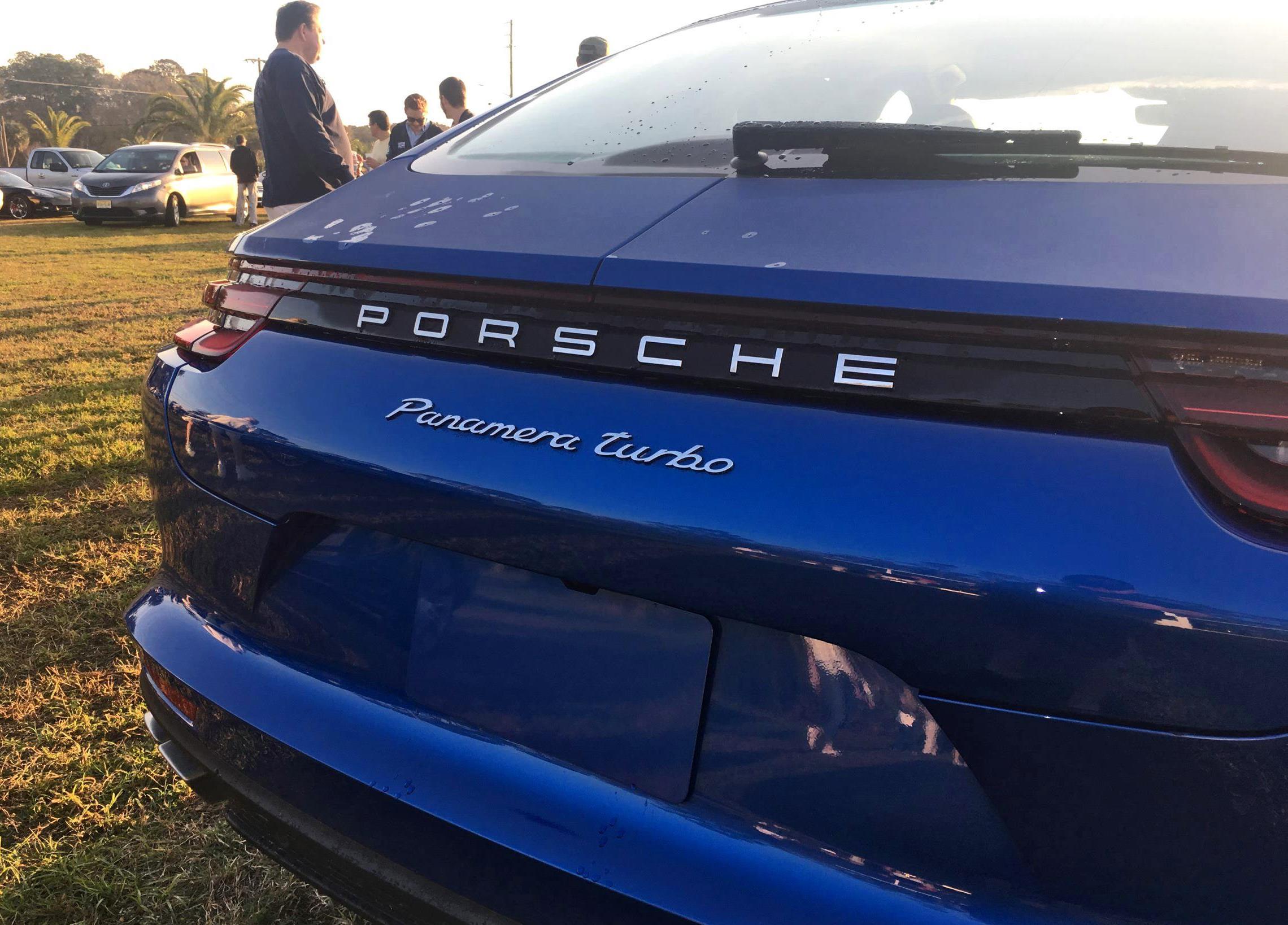 2017-Porsche-Panamera-TURBO-Exterior-9